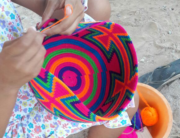 Wayuu-Indigena-Knitting-a-Mochila-Bag-Final